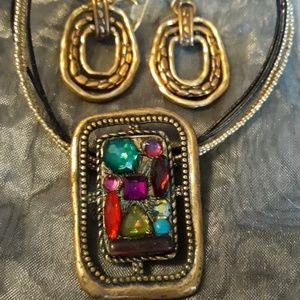 Set-gold earrings & necklace with colored stones
